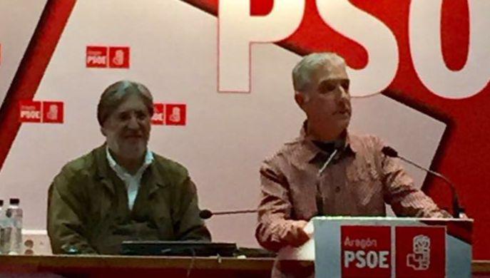Acto primarias PSOE con Perez Tapias