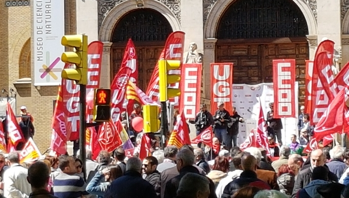 Miles de personas se manifiestan el 1º de mayo Día del Trabajador
