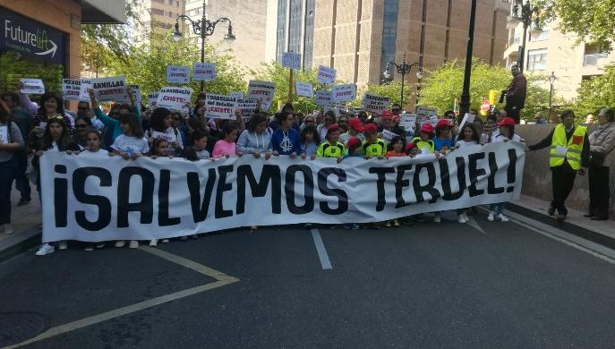 El clamor popular demuestra que Teruel Existe y con todo Aragón luchará por su futuro