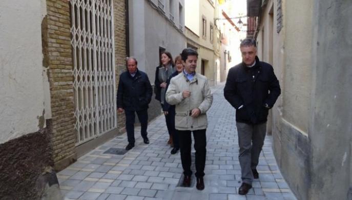 El Ayuntamiento de Huesca concluye la renovación de la calle Sobrarbe