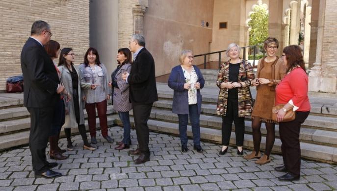 La Mesa recibe a las científicas aragonesas que recogerán la Medalla de las Cortes