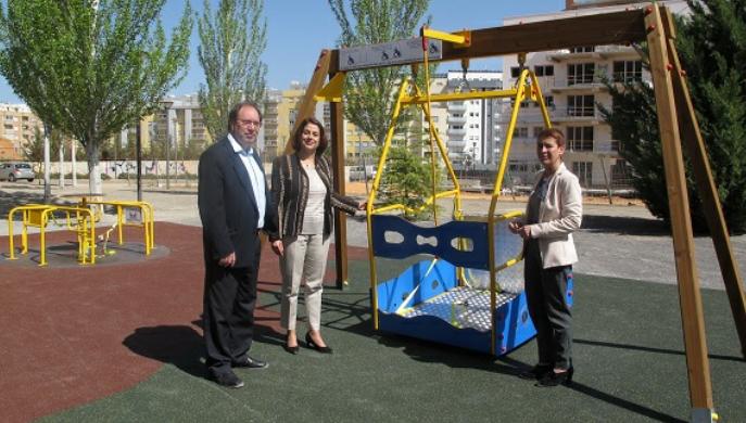 Teruel ya cuenta con juegos para niños en silla de ruedas