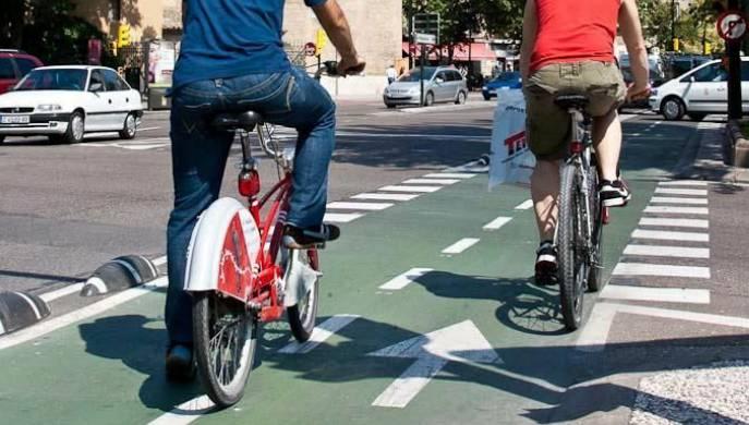 Campaña seguridad vial bicis Zaragoza