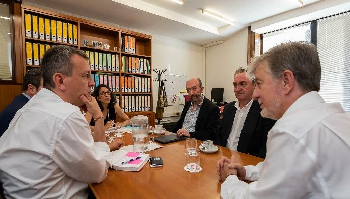 El Ayuntamiento de Zaragoza y la Coordinadora de Cofradías han acordado hoy iniciar el proceso para la creación de un espacio expositivo sobre la Semana Santa