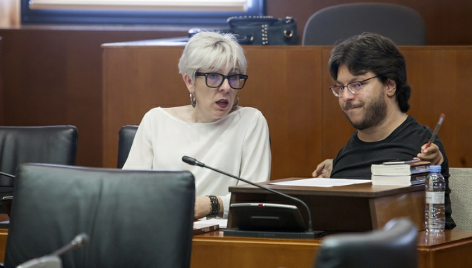 Las Cortes de Aragón reclaman que los bancos que realizan cesiones de créditos a fondos de titulización tengan que informar al cliente